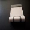 エレコムのスマホスタンドP-DSCMPWHが便利すぎ!コンパクトで持ち運びが簡単!